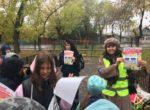 Тюменские «родительские патрули» обеспечивают дорожную безопасность школьников у образовательных организаций