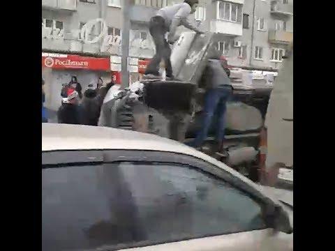ДТП с перевертышем на Ямской в Тюмени   72.ru