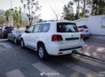 Появились новые изображения китайской копии знаменитого Land Cruiser 200 (Фото)