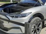 Первый электрокар Ford Mustang Mach-E сошел с конвейера (фото)