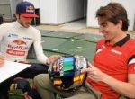 Экс-пилот Ф-1 советует Сайнсу уйти в Ferrari