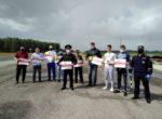 Активисты молодежного спорта на тюменской трассе  проголосовали за жизнь на дорогах
