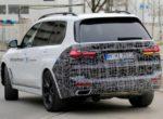 Обновленный BMW X7 попался фотошпионам (фото)
