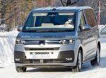 На тестах заметили прототип минивэна Volkswagen T7 нового поколения (фото)