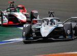 Формула Э. Де Врис выиграл гонку в Валенсии, Вандорн на подиуме
