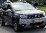Появились свежие снимки обновленного кроссовера Dacia Duster (Фото)