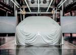 Mercedes-Benz заинтриговал электрической новинкой (фото)